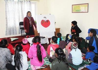 pict 5 nepal Bimala teaching Sunday School